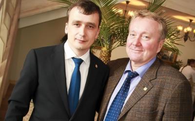 А. В. Шеверев (председатель совета директоров ГК «АСТИВ») и К. Ю. Фетисов (региональный директор ООО «Грундфос») на праздновании 15-летия филиала «Грундфос», Новосибирск, 2013 год